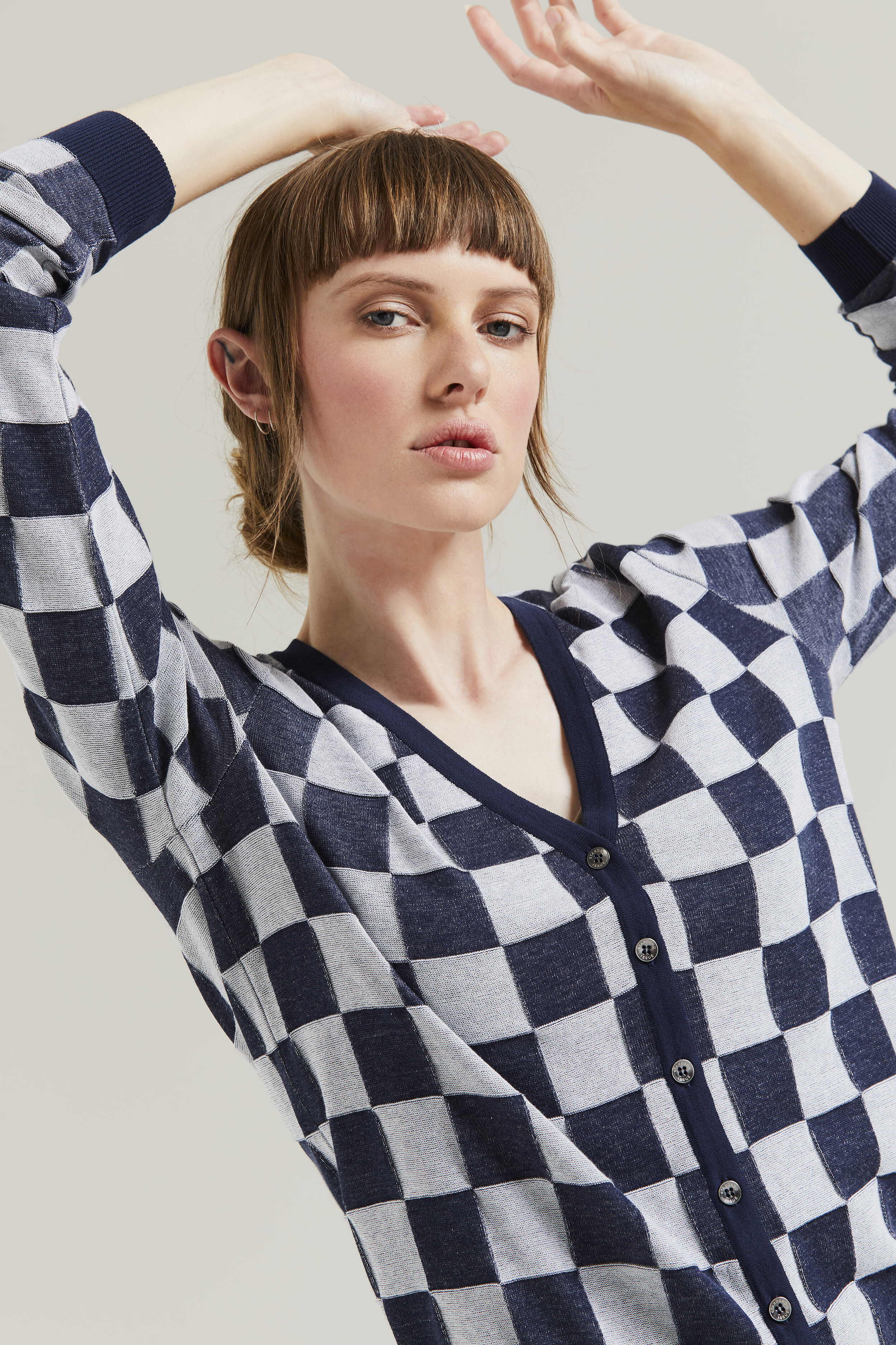 GINGHAM V CARDI (NAVY/WHITE) - Shop by Style-Cardigans : Home - STANDARD ISSUE SP20