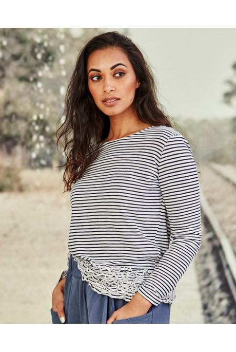 RUFF AND TUMBLE TOP(NAVY STRIPE)